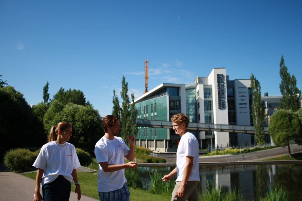 Our interns in front of Forskningsparken